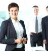 ما الذي يمنع النساء من اشغال المناصب المهنية العليا؟