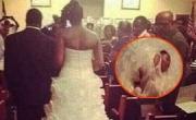 عروس أمريكية تضع طفلتها على ذيل فستان زفافها… وتجرها خلفها!
