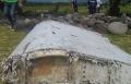 تطورات جديدة في قضية الطائرة الماليزية: العثور على باب بعد الجناح