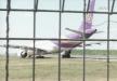 مشهد مرعب لطائرة تايلندية قبل إقلاعها بلحظات