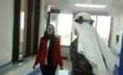 طبيب يرقص مع ممرضة والسلطات السعودية تحقق