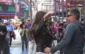 بالفيديو.. كارول سماحة ترقص في شوارع نيويورك