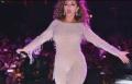 ميريام فارس تلهب حفلة العيد في مصر بثوب مثير
