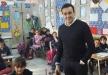 صابر الرباعي يزور المدرسة التي قضى فيها طفولته