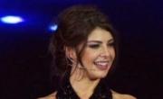 طرد مذيعة تركية بعد ارتدائها فستان فاضح