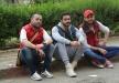تامر حسني مع رامي جمال و تامر عاشور على الرصيف