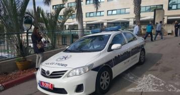 الناصرة: الاعتداء على مسن وسرقة السلاح الذي بحوزته