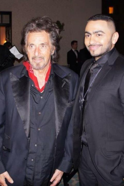 """بدلة """"تامر حسني"""" تطغي علي شعبية """"آل باتشينو"""""""