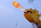 جسر التنين في فيتنام ينفخ النيران والمياه