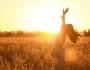 علماء: ضوء الشمس يؤثر في تصرفات الناس