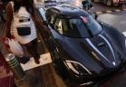 اذا ما تحدثنا عن كم السيارات الفارهة والنادرة التي قد تجدونها في مدينة دبي وتحديداً داخل دبي مول فانك تتحدث عن أرقام كبيرة بمبالغ طائلة قد تصل الي المليارات .   احدي تلك السيارات هي الحسناء السعودية المرعبة كوينجسيج أجيرا آر والتي تستحق لقب
