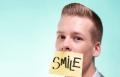 هل نسي الناس كيف يبتسمون؟