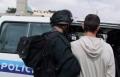 اعتقال شاب من طوبا بشبهة ثقب اطارات 8 مركبات!