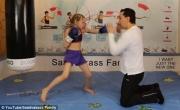 مهارات طفلة في الملاكمة تشعل مواقع التواصل
