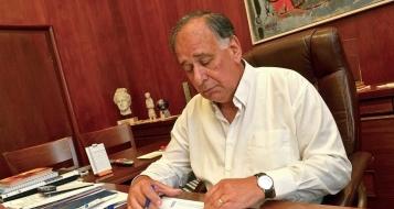 رئيس بلدية حيفا يعقد مؤتمرا صحافيا طارئاً بعد تراجع وزارة الصحة عن تقريرها