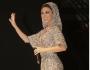 عباءة ميريام فارس تغطي رأسها وتكشف الكثير
