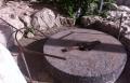 من سرق حجر الطاحونة الأثري في البقيعة؟