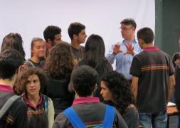 بروفسور حسام حايك يلتقي طلاب المدرسة المعمدانية