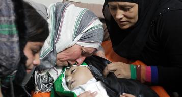رام الله تشيع الطفلة إيناس: شهيدة أوجعت قلوب الفلسطينيين ببراءتها