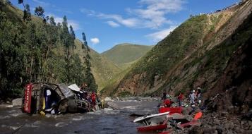 نيبال: عشرات القتلى والمصابين من بينهم اسرائيليون في انقلاب حافلة