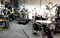 روبوتات يشكلون فرقة موسيقية لعزف الروك والميتل