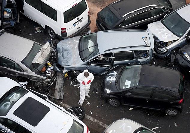 ألمانيا: تصادم سيارة حادث واحد