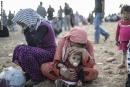 200 ألف يفرون من داعش في أكبر عملية نزوح تشهدها سوريا
