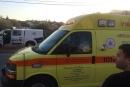 دبورية: اصطدام سيارة بشجرة واصابة سائقها بجراح بالغة