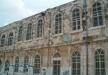 رفع علم فلسطين على مدرسة خليل السكاكيني التابعة لبلدية القدس ومستوطنون يقدمون شكوى