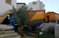 دبورية: انزلاق شاحنة واصطدامها بشرفة منزل!