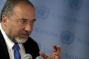 ليبرمان يقترح عرض أموال على فلسطيني الـ48 للانتقال إلى دولة فلسطينية