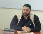 وزير الداخلية الإسرائيلي يأمر بتمديد منع فقيه السجون من السفر