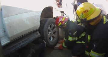 نين: إصابة خطيرة لفتاة دهست وعلقت تحت السيارة