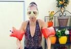 السلطانة هيام تثبت خفة ظلها في تحدي وعاء الماء المثلّج