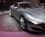 سيارة ألفا روميو 6C تستعد للعودة إلى أسواق السيارات بقوة بموديل 2016 الجديد.