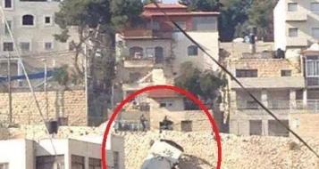 القدس: مواجهات في الطور وانقلاب سيارة المياه العادمة