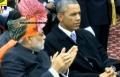 اوباما يسحب العلكة من فمه بحضور رئيس وزراء الهند