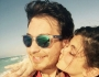 أحمد زاهر وبناته على شاطىء البحر