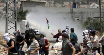 القدس: الاعتداء على خيمة الشهيد حجازي واصابة مقدسي