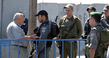 إسرائيل تفرض قيودا على دخول الفلسطينيين للقدس
