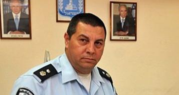 فضيحة أخلاقية : شبهات جنسية ضد قائد شرطة الخضيرة .. الضحية شرطية