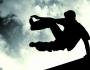 حيفا: إصابة بالغة لفتى سقط أثناء القفز بين عمارتين