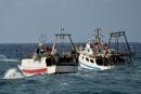 مصرع 54 بحارا بغرق سفينة صيد روسية في بحر أخوتسك