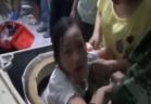 نجاة طفلة بعدما علقت داخل غسالة