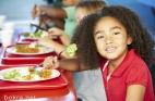 كيف تؤمنين تغذية سليمة لطفلك في المدرسة؟؟