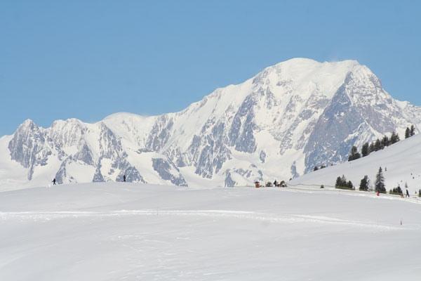 سحر الشتاء والثلج في مدينة لا بلاني ..