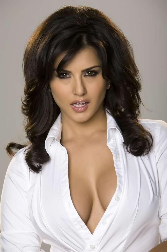 النَّجمة الإباحيَّة الهندية الأكثر شهرة على الإنترنت: بذلت جهوداً كبيرة للوصول للقمة!