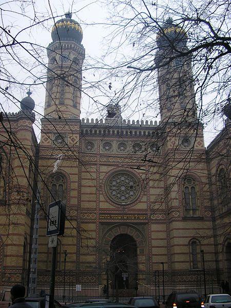 ثورة - بودابست ثورة بالسياحة وتاريخ من الحضارة 450px-Almog_6_Budasyn