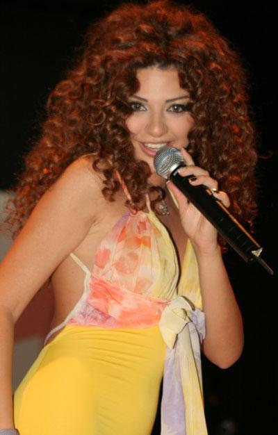 http://images.bokra.net/bokra/4.11.2010/meryam//11of2.jpg