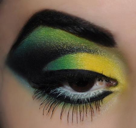 طريقة ماكياج بارازيلية لمشجعات البرازيل
